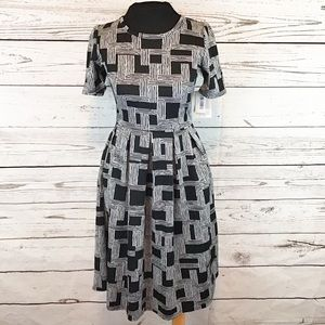 NWT LuLaRoe Black and white Amelia dress
